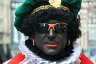 Zwarte-Pieten-gearresteerd-bij-intocht-Sinterklaas