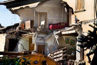 aardbeving-puin-schade-italie