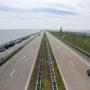 Friezen schenden massaal Afsluitdijk