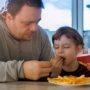 """""""Ons kind krijgt in principe alleen friet"""""""