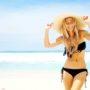 Dé zomertrend: jonge slanke blonde vrouwen