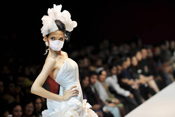 Gucci past voorjaarsmode aan na uitbraak coronavirus