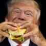 "Trump eet typisch Hollandse ""cheeseburger"""