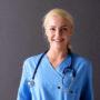 Ella (18) is de jongste hersenchirurg van Nederland