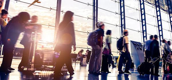 luchthaven-vliegtuig-passagiers-vliegveld