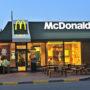 Verwarde man bestelt salade bij McDonald's