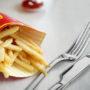 McDonald's verplicht eten met bestek