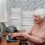 Vrouw (86) bijna klaar met uitprinten Facebook