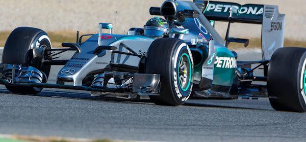 nico-rosberg-formule1-race