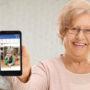 Vrouw verrast Facebook met foto van kleinzoon