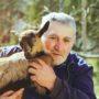 """Piet (72): """"Mijn hond is alles voor me"""""""