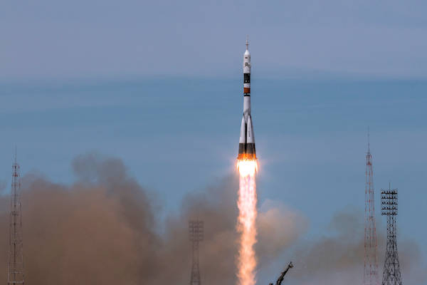 Bemanning ISS vergeet iPhone en keert terug