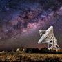 schotel-ruimte-planeet-telescoop-satelliet-sterren