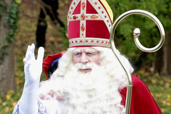 Complotdenkers Twijfelen Aan Bestaan Van Sinterklaas