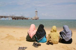 strand-scheveningen-asielzoekers